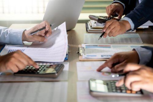 公認会計士になった場合年収は平均としていくら位になるのでしょう